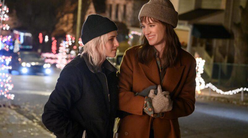 Kristen Stewart, 'Happiest Season' cast talk groundbreaking lesbian rom-com
