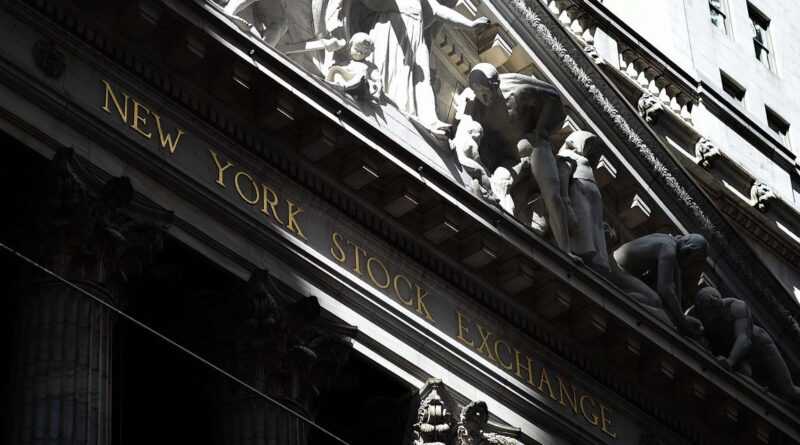 NYSE reverses course, says it won't delist 3 largest Chinese telecoms