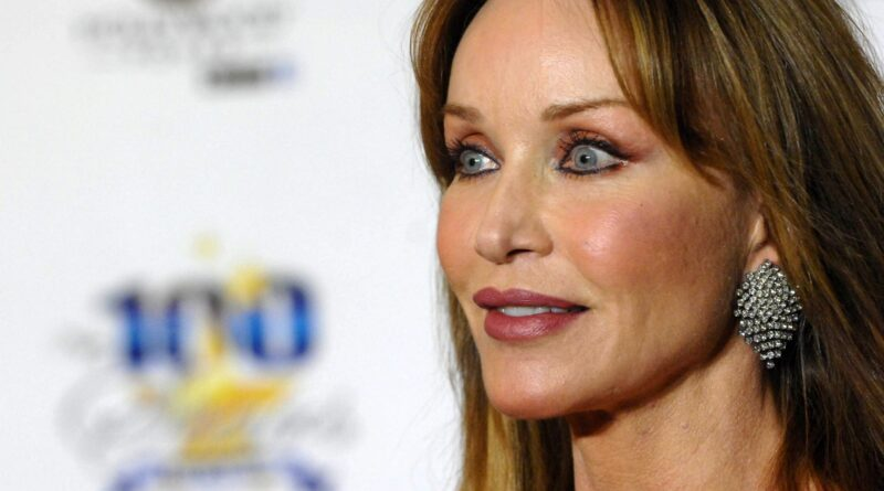 Tanya Roberts is not dead, her reps now say