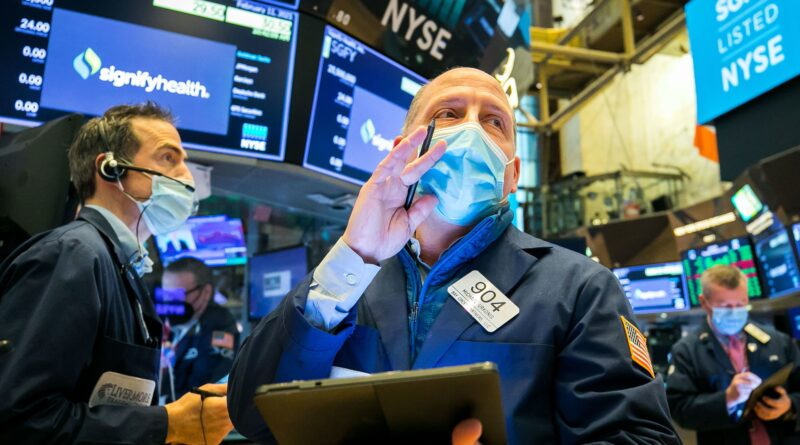 Stock futures rise slightly as Wall Street looks to shake off Big Tech's slide