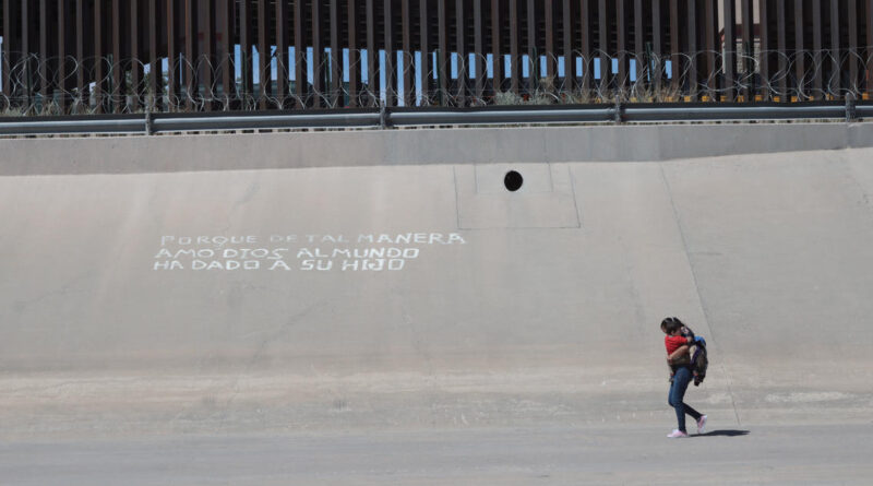 U.S. border agents report rise in crossings by families and children as White House warns migrants not to come