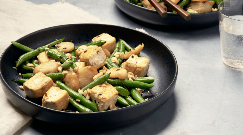 Green Beans and Tofu With Peanuts