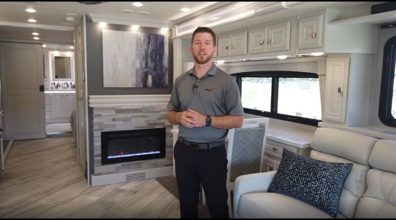 2021 Discovery LXE 40M Fleetwood RV official factory walk through – All-New w/Heritage cabinetry