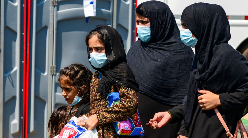 Military Ramps Up Evacuations From Kabul, but Bottlenecks Persist